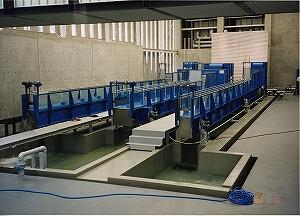 水理実験装置/開水路装置