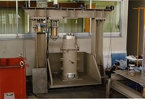 大型三軸試験機
