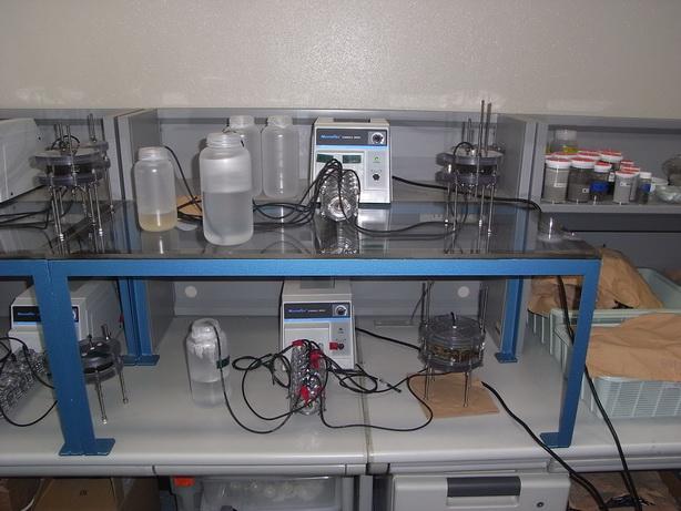 カラム試験装置